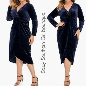 🆕⭐ Plus available Blue velvet wrap dress